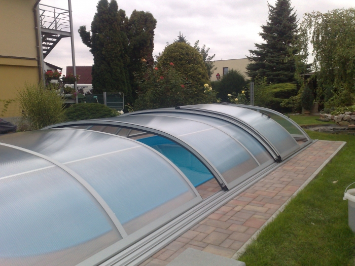 Zastřešení bazénu cena